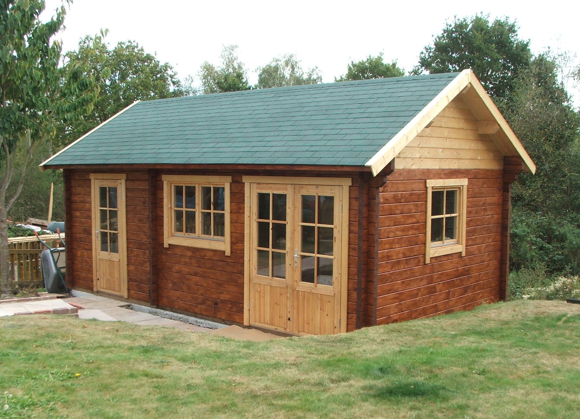 Perfect Cabins Gallery Bespoke Cabins. Full resolution  image, nominally Width 2003 Height 1446 pixels, image with #734328.